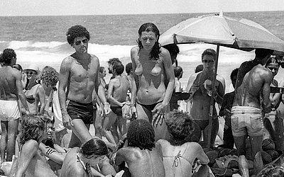 Topless na Praia dos Artistas, em janeiro de 1980