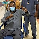 Em recuperação, Pelé postou foto no hospital