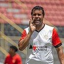 Técnico Rodrigo Chagas tem desafio com o Vitória na Série B do Brasileiro