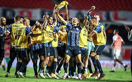 Jogadores do Grêmio comemoram vaga na final da Copa do Brasil