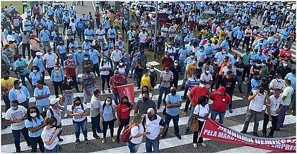 Cerca de 2 mil funcionários participaram do ato, segundo estimativa do sindicato
