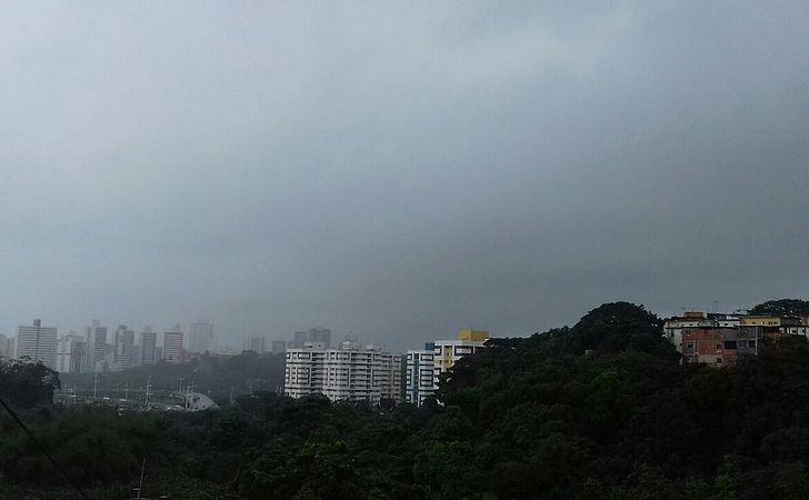 Chuva deve continuar até o final de semana em Salvador