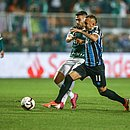 Everton enfrenta a marcação de Bruno Henrique