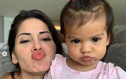 Filha de Mayra Cardi e Arthur Aguiar tem problema de saúde não descoberto, diz mãe