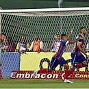 Fernandão foi o autor do único gol, de pênalti