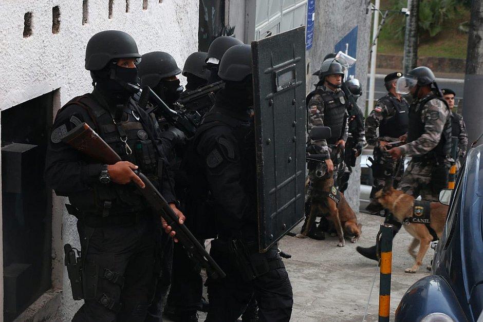 Alvos de operação, sedes da Aspra são interditadas em Salvador e interior