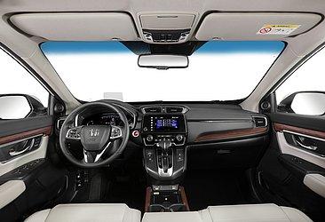 A opção Touring é bem equipada e conta com seis airbags. O interior desse Honda pode ser preto ou bege