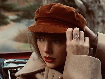 Taylor Swift anuncia que regravação de Red será lançada em novembro