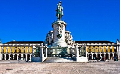 Parece Salvador mas é Lisboa: Praça do Comércio