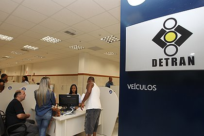 Taxas para carteira de habilitação e emplacamento ficarão mais caras na Bahia