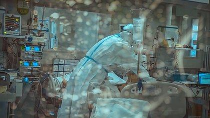 Quanto vale o risco? Enfermeiros lutam para ter adicional por trabalho em UTIs