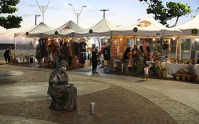Rio Vermelho: Artesãos e artistas de rua