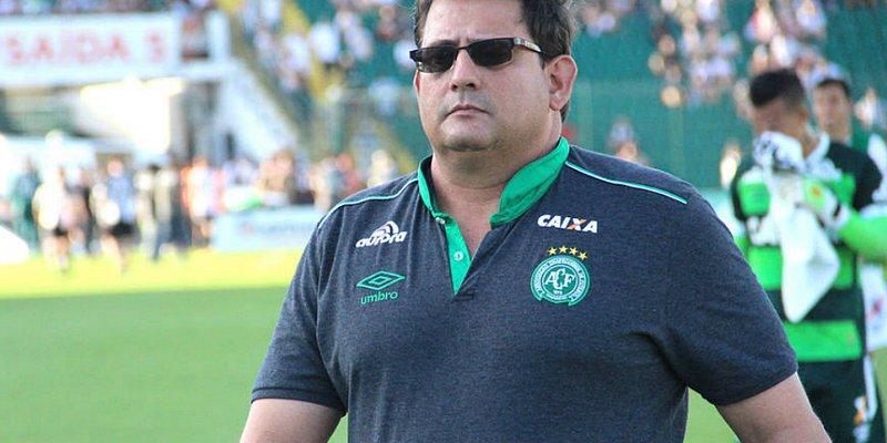 Guto Ferreira é demitido após derrota da Chape diante do Vitória
