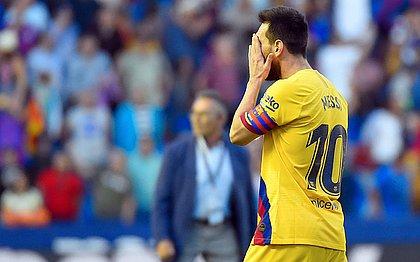Incrédulo, Messi lamenta derrota do Barcelona para o Levante