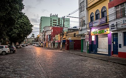 Na Mouraria, ruas vazias.