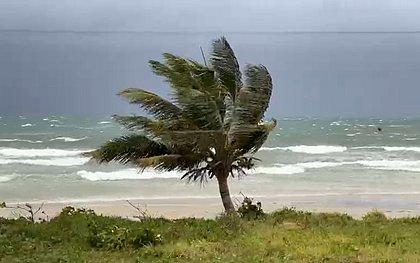 Ventos fortes no sul da Bahia