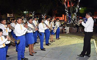 Sociedade Filarmônica Minerva de Morro do Chapéu no encerramento do evento Morro do Chapéu 2030, defronte a Casa da Arte