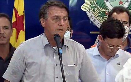 'Acabou a entrevista', diz Bolsonaro ao ser questionado sobre decisão do STJ pró-Flávio