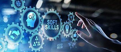 As soft skills são consideradas tão importantes quanto as habilidades técnicas no momento da contratação