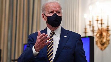 Biden chama evacuação de 'sucesso' e comemora fim da guerra no Afegsnistão