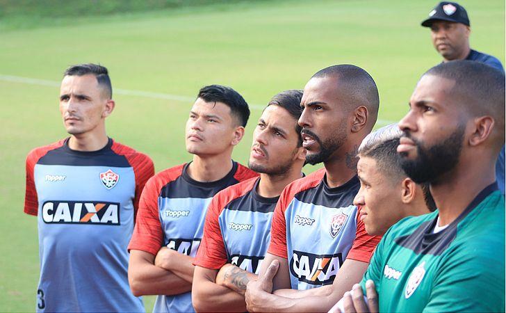 Após 36 dias, Vitória 'reestreia' na Série A diante do Paraná