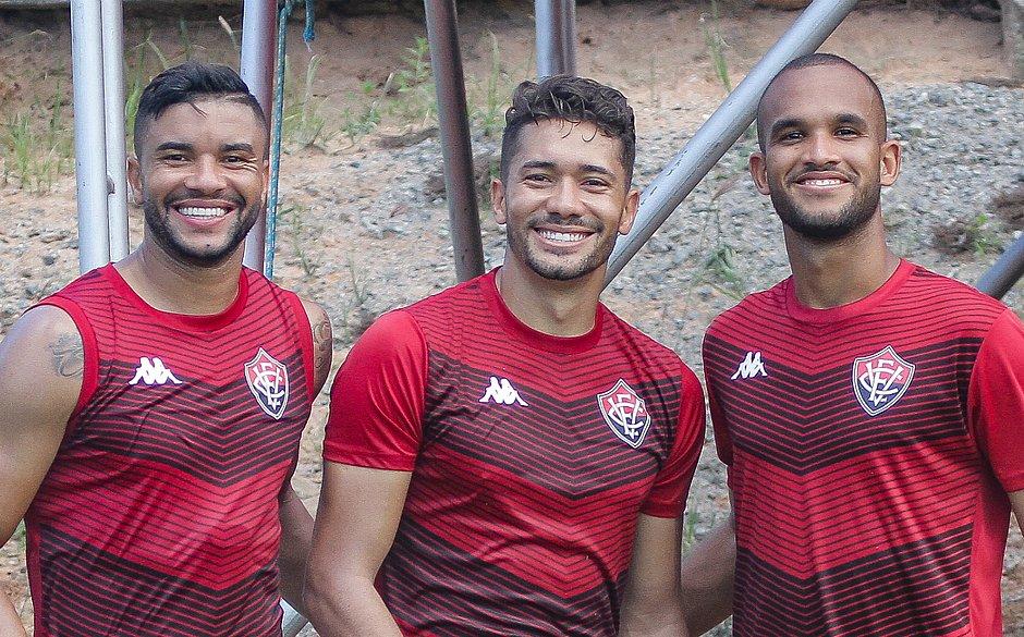 Jean, entre os zagueiros Maurício Ramos e João Victor, também será titular do rubro-negro