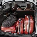 É preciso calcular o peso dos ocupantes e das bagagens para chegar a capacidade de carga do veículo, não apenas o que está no porta-malas ou caçamba