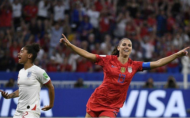 EUA vencem a Inglaterra e vão à decisão da Copa do Mundo