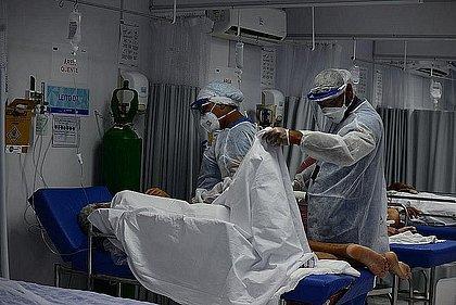 Brasil notifica 680 mortes por covid em 24h; média móvel cresce pelo 3º dia