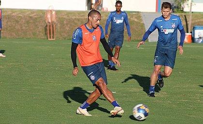 Nino Paraíba é titular da lateral direita tricolor