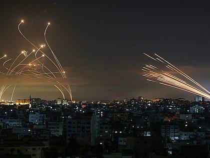 Após pelo menos 242 mortes, Israel e Palestina anunciam cessar-fogo