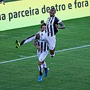 Cléber comemora o segundo gol do Ceará contra o Bahia em Pituaçu