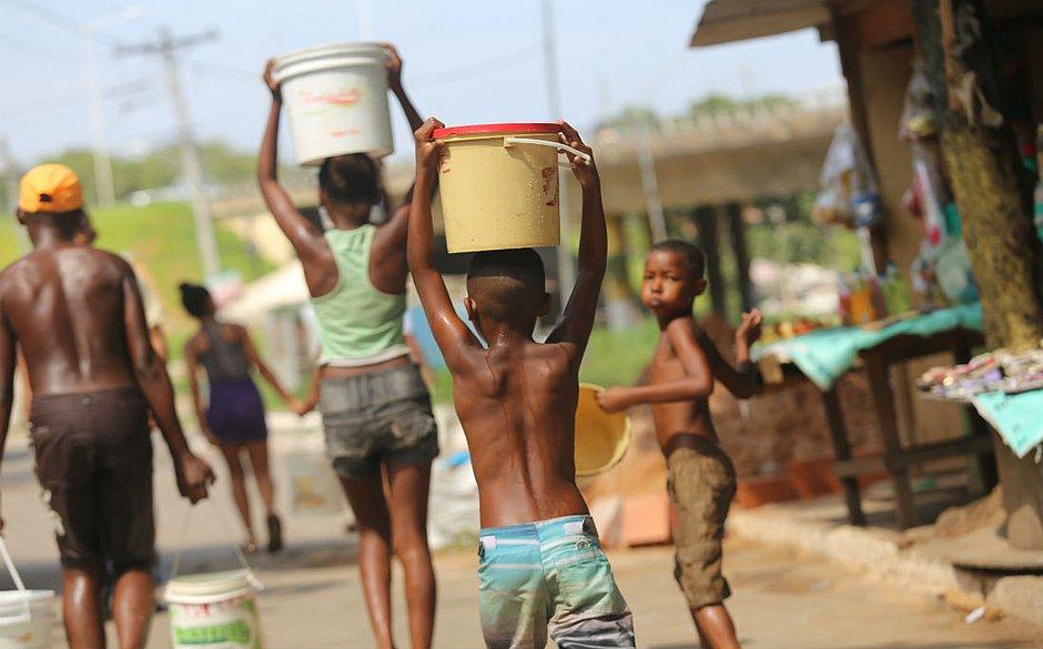 Abastecimento foi afetado por conta de problemas com a qualidade da água