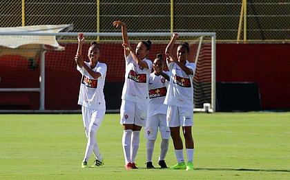 Meninas rubro-negras ganharam no Barradão