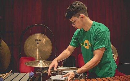 Percussionista baiano ganha bolsa para estudar em Nova York