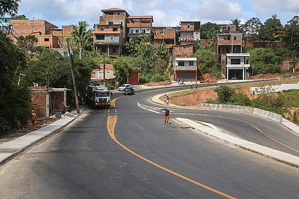 Prefeitura entrega terceira etapa de requalificação da Estrada Velha do Aeroporto