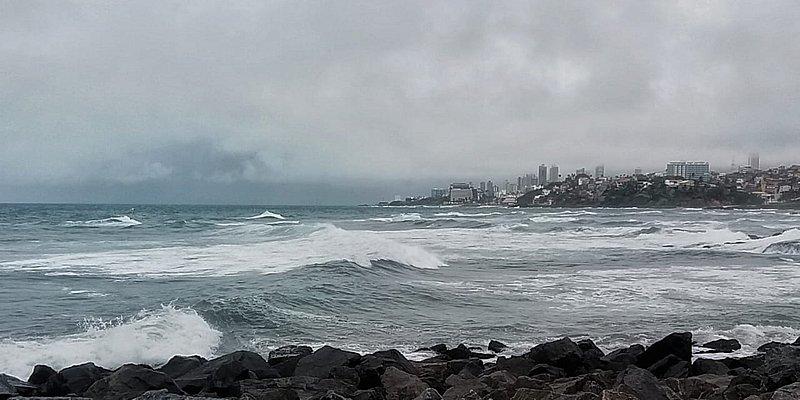 Frente-fria deve continuar em Salvador até quarta-feira