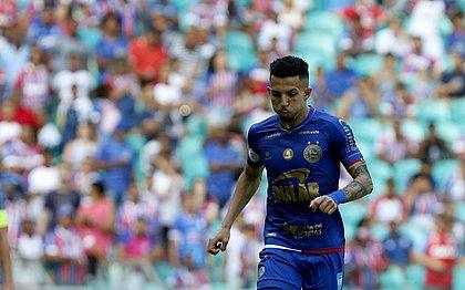 Volante Flávio durante empate em 1x1 com o Palmeiras, na Fonte Nova