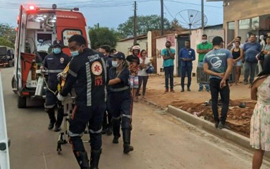Funcionário morre ao cair enquanto consertava telhado de prédio na Bahia