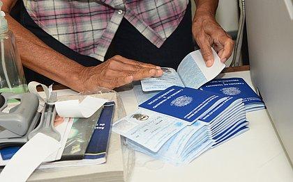 Trabalho com carteira assinada se mantém estável na Bahia no 2º trimestre