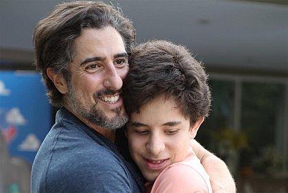 Marcos Mion se emociona com apresentação do filho: 'autismo não é incapacidade'