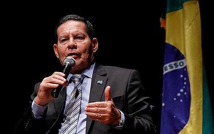Mourão defende revisão histórica do início da ditadura militar