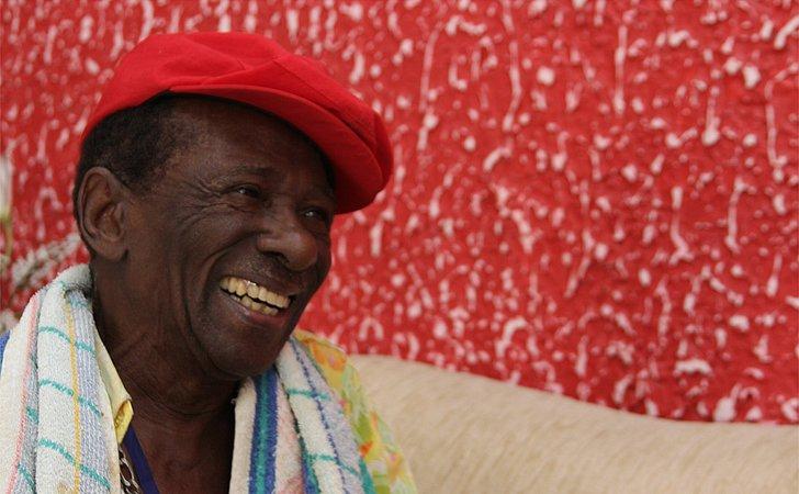 Com muito samba, Riachão comemora os 97 anos