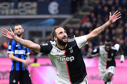 Higuain marcou o gol da vitória da Juve no San Siro