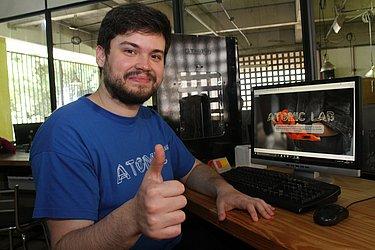 Atomic Lab: No laboratório da Ufba, mostrou o site  do seu Atomic Lab