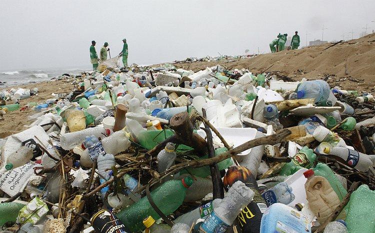 Empresas declaram guerra ao plástico