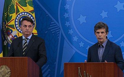 Bolsonaro e Nelson Teich: oncologista foi anunciado pelo presidente como ministro da Saúde