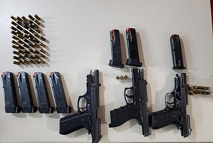 Sargento da PM é preso com pistolas na Avenida Gal Costa