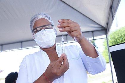 Vacinados contra a covid-19 no Brasil chegam a 23,8 milhões, 11,26% da população