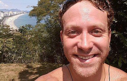 Ex-Malhação, Sérgio  Hondjakoff trabalha como caixa de restaurante em NY